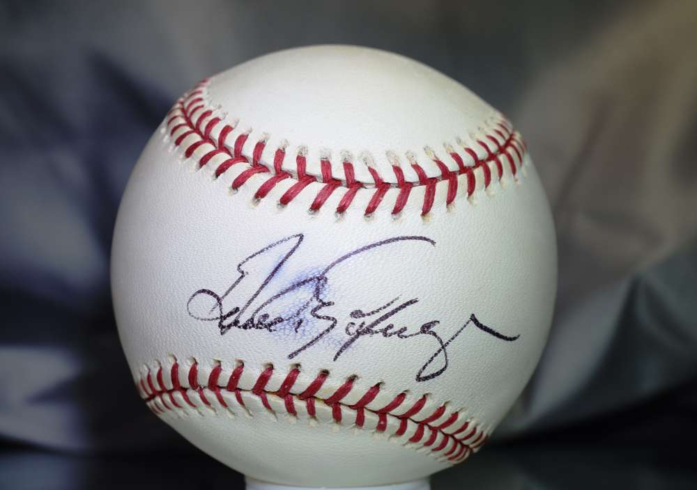 Andres Galaraga Signed Psa/dna Major League Baseball  Authenticated Autograph